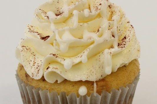 Cinnamon Dream Cinnamon Roll cupcakes