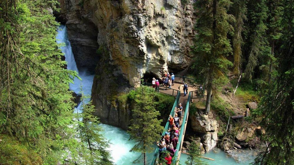Johnston Canyon Banff Jasper Tours