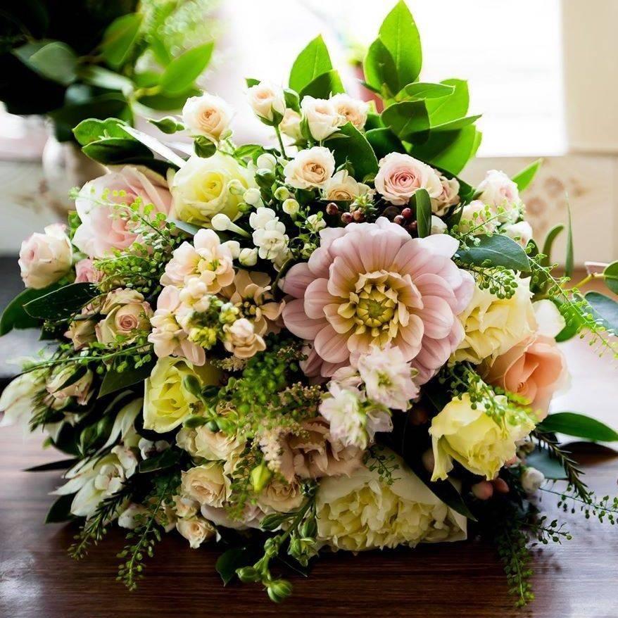 Pastel dahlia rose bridal bouquet