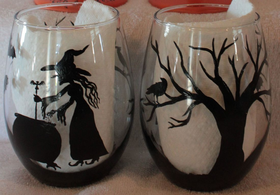 Witch wine glass, halloween wine glass, black cat wine glass