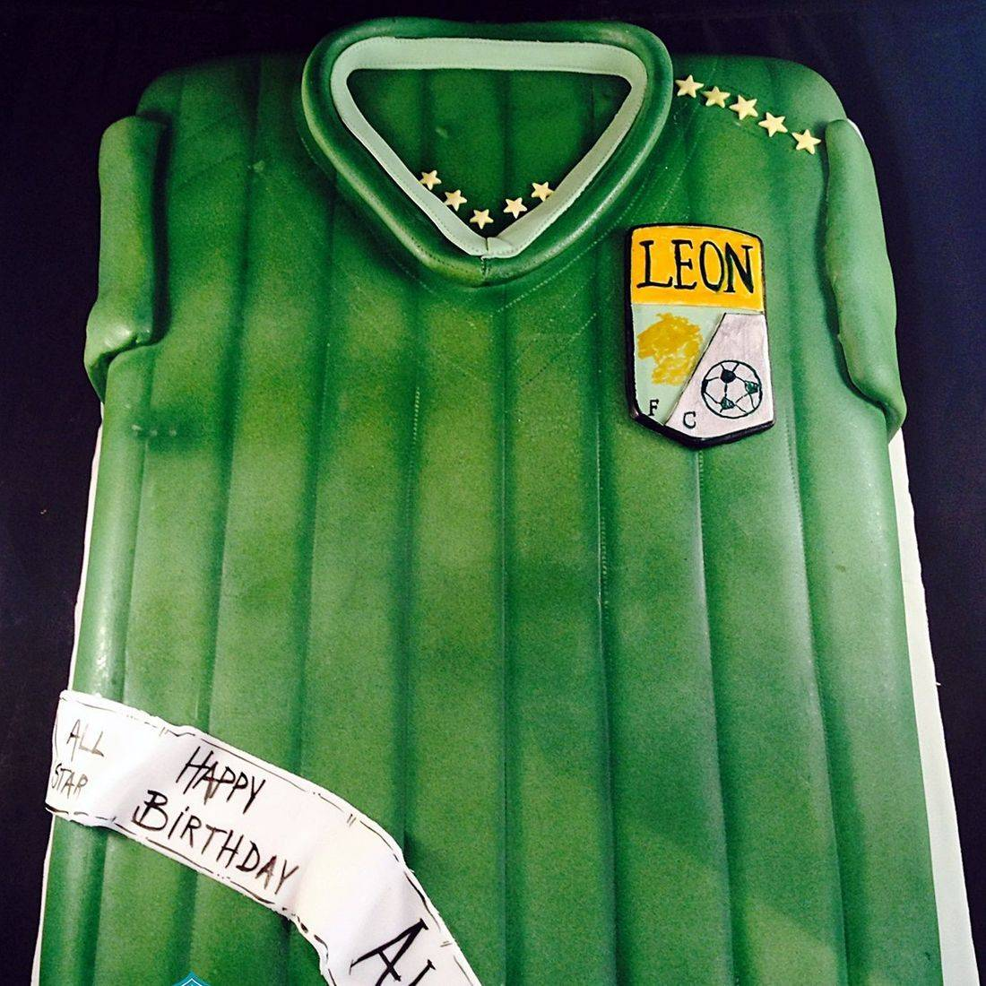 Leon Shirt Cake Dimensional Cake Milwaukee