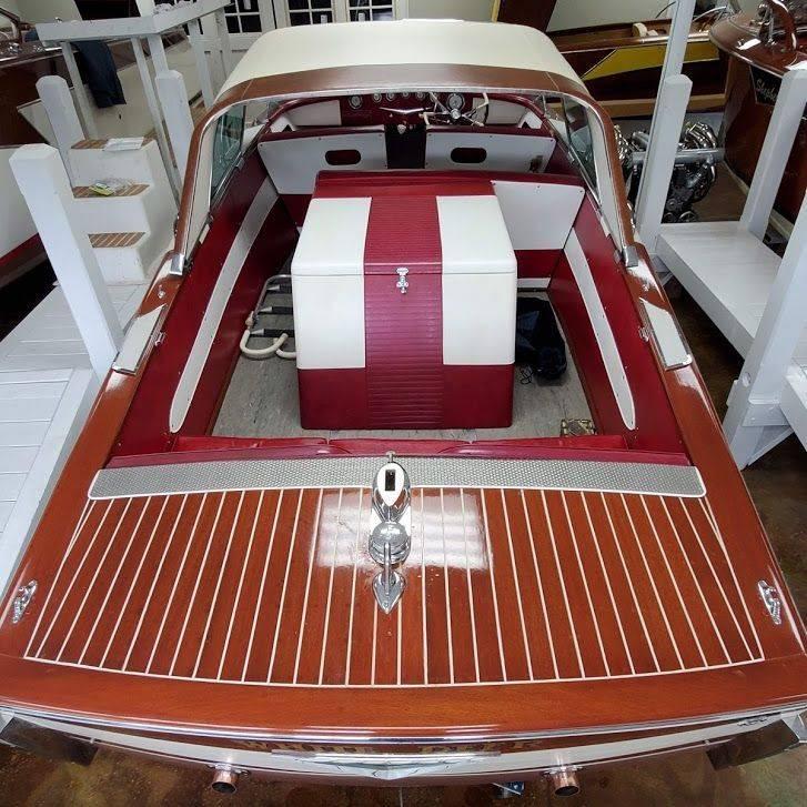 1958 21' Century Coronado