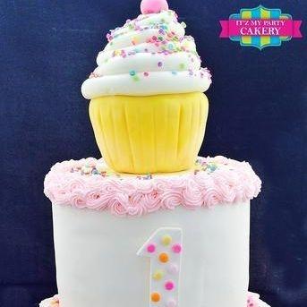 Custom Cupcake Polka Dot Cake Milwaukee