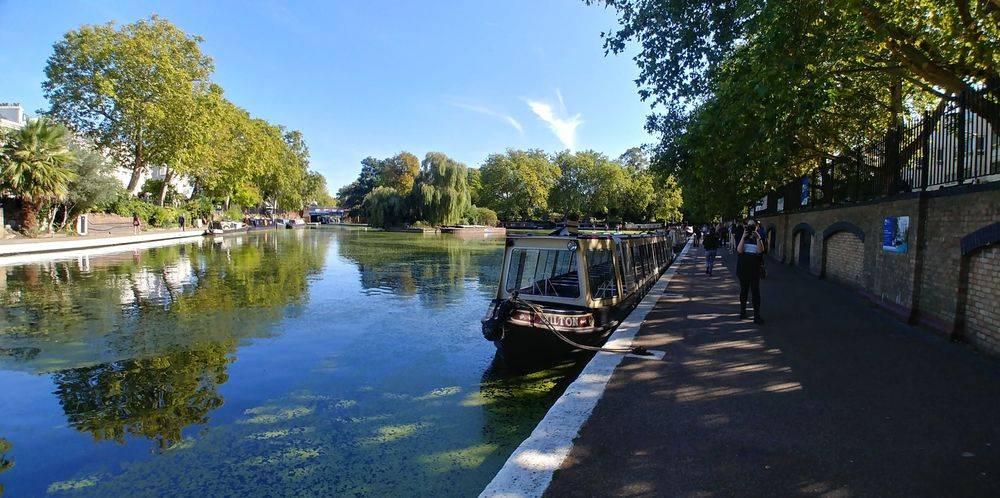 waterside cafe little venice ,paddington basin,  ,grand union canal london, regent's canal london  ,canal walks in london ,family friendly walks in london ,romantic walks in london ,romantic london ,robert browning, browning's pool ,little venice london, british & far east traders