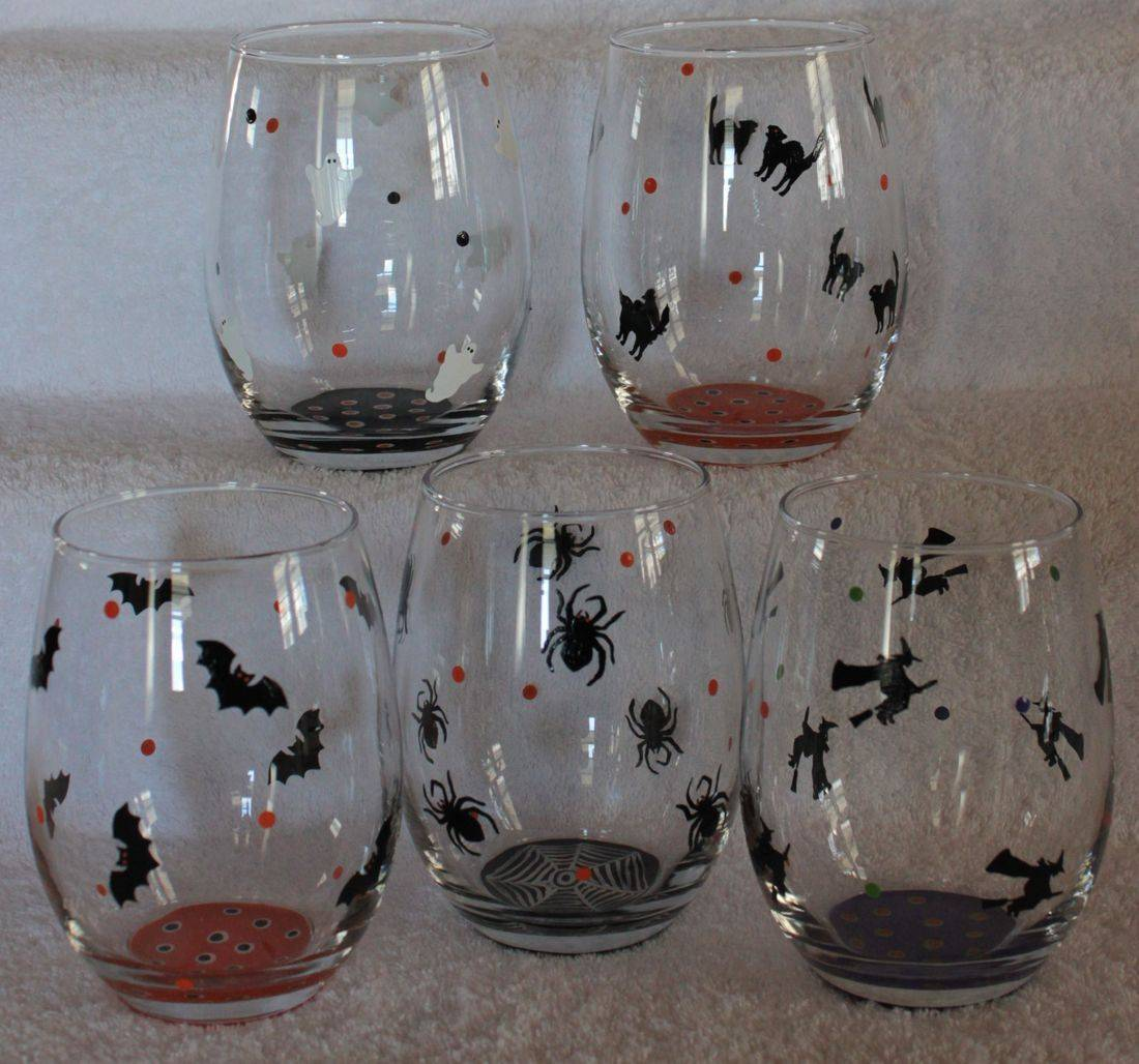halloween wine glass, bats wine glass, witch wine glass, spider wine glass, cats wine glass