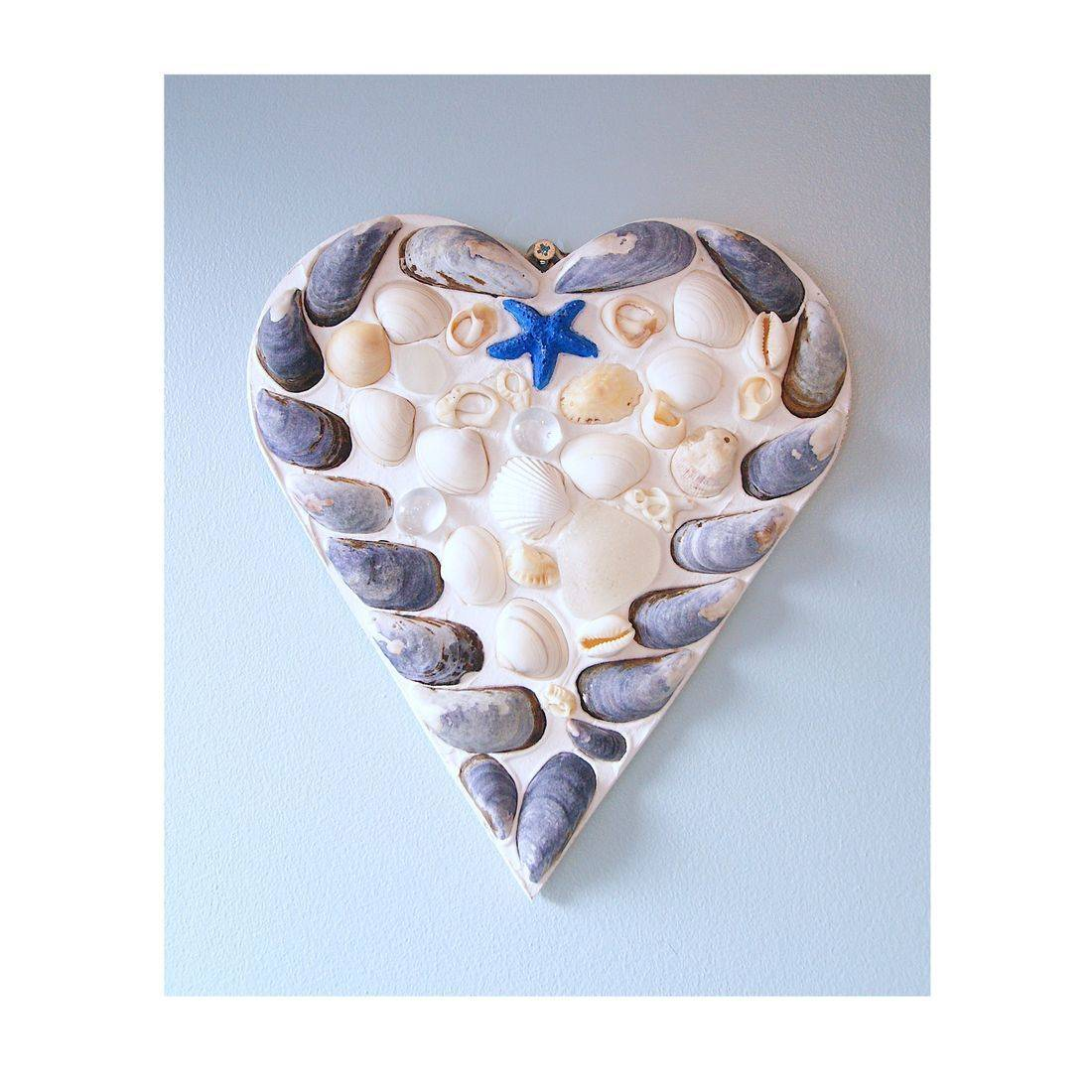 28 Mosaic Shell blue & white Heart