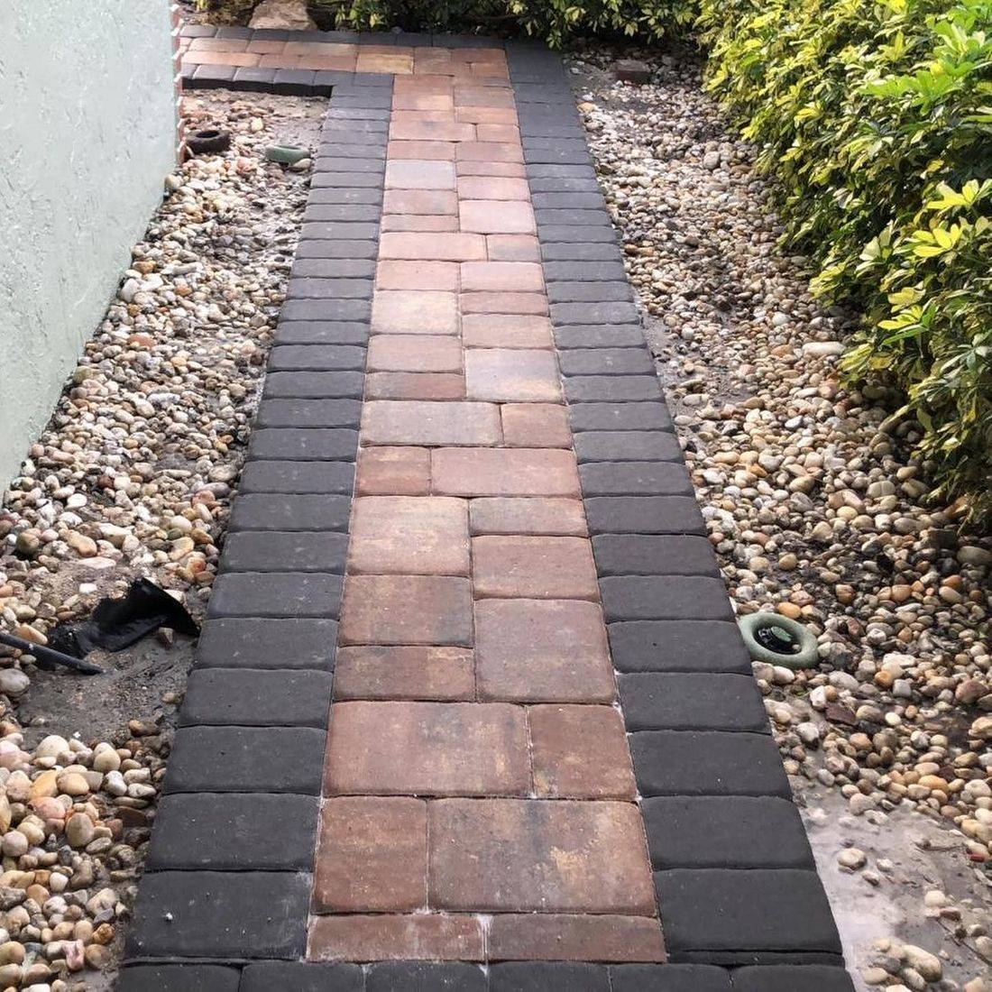 walkway chestnut buff charcoal border charcoal cape coral tricircle
