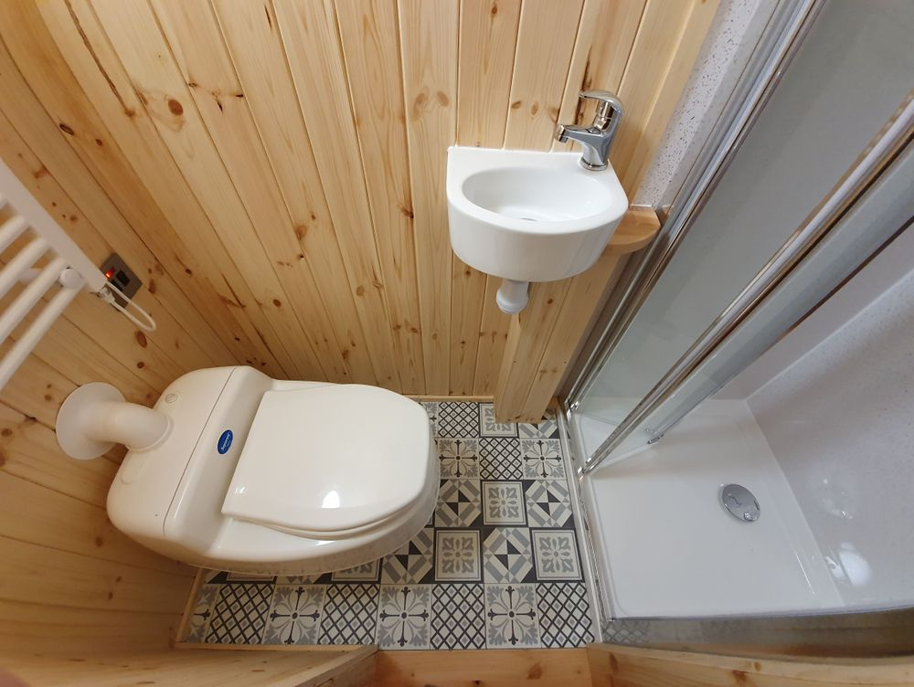 Composting loo in Cabin