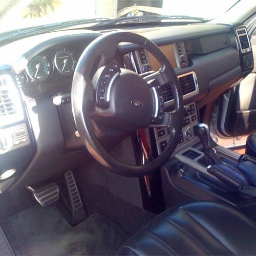 range rover Mario Brother'sAuto Body Mario Brothers Detailing And we do Auto repair also