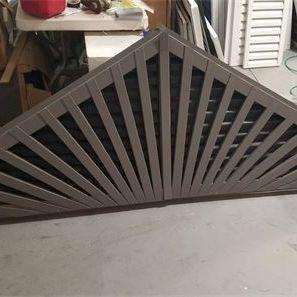 Aluminum triangle gable vent with decorative spokes