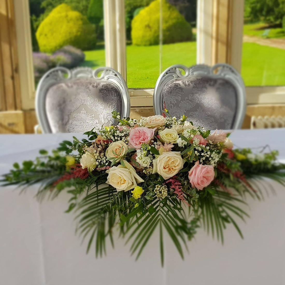 Wedding flower, Registrar table flower arrangement