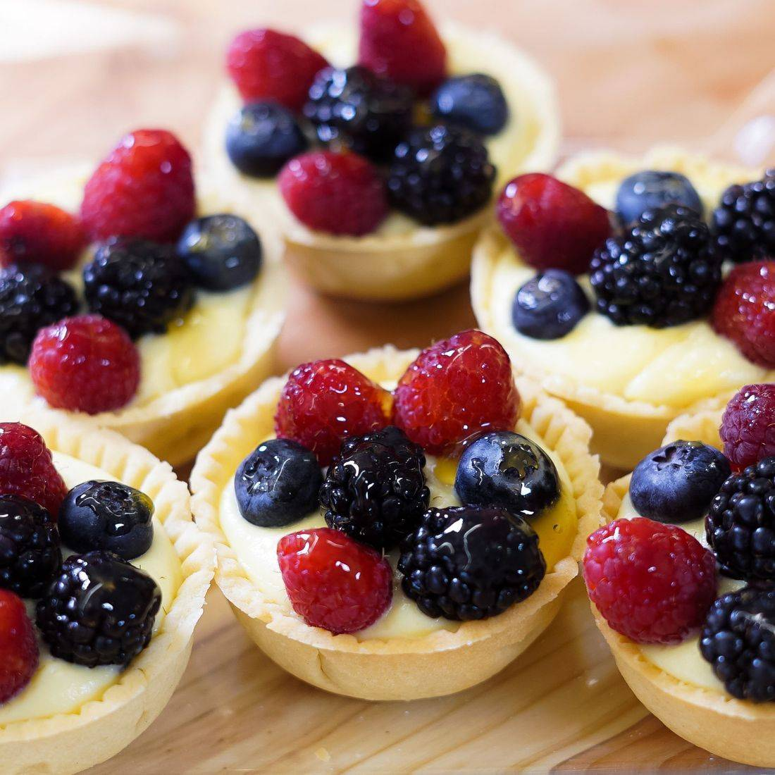 Mixed Berry Tarts, Berry Tartlets, Mixed Berry Cheesecake, Mini Berry Tarts, Mini Fruit Cheesecakes