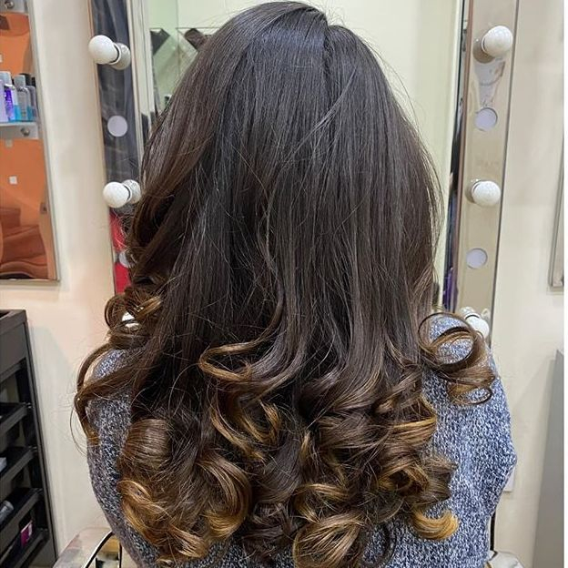 Curly blow dry hairdresser north london tottenham hair salon bouncy blow dry