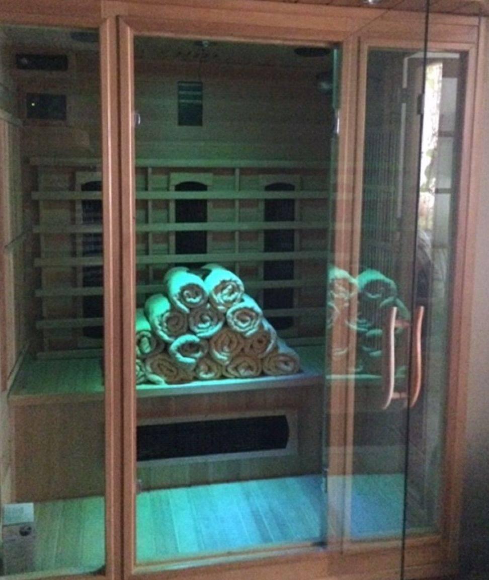Far-Infrared Sauna with Chromatherapy