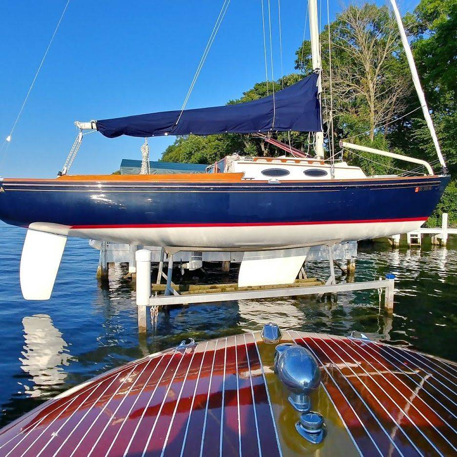 Alerion sailboat for sale Lake Geneva