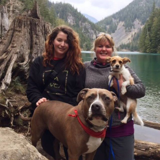 Shelby with her mom, Teri and dogs Hemi & Tig.