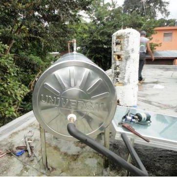 Instalando tanque calentador solar