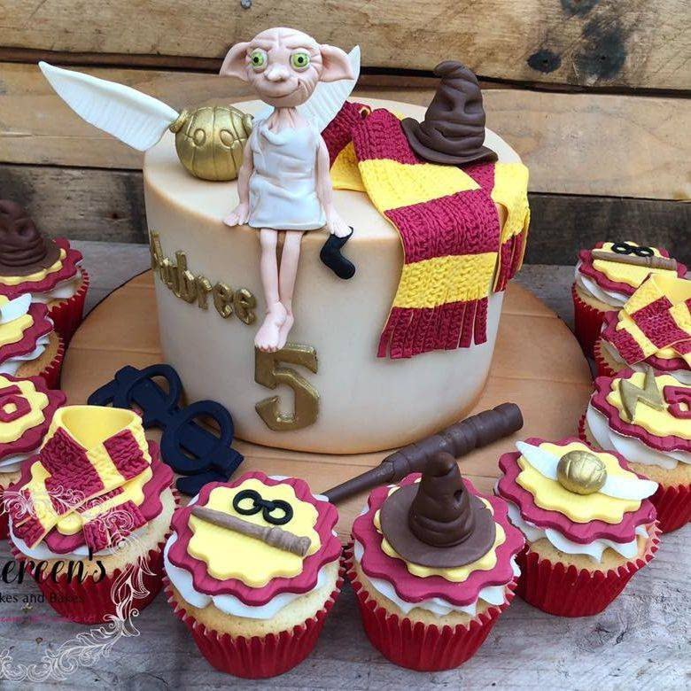 birthday cake Harry potter dobby scarf wand hat sorting golden snitch