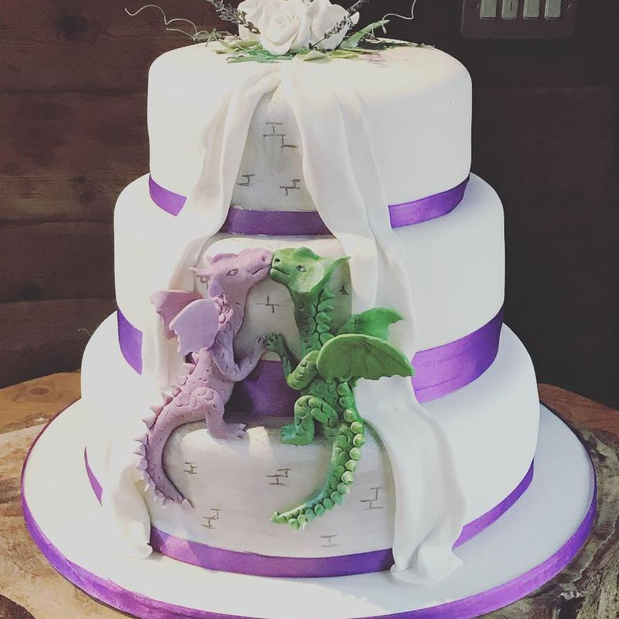Dragons Wedding cake Fabu-Lous Cakes