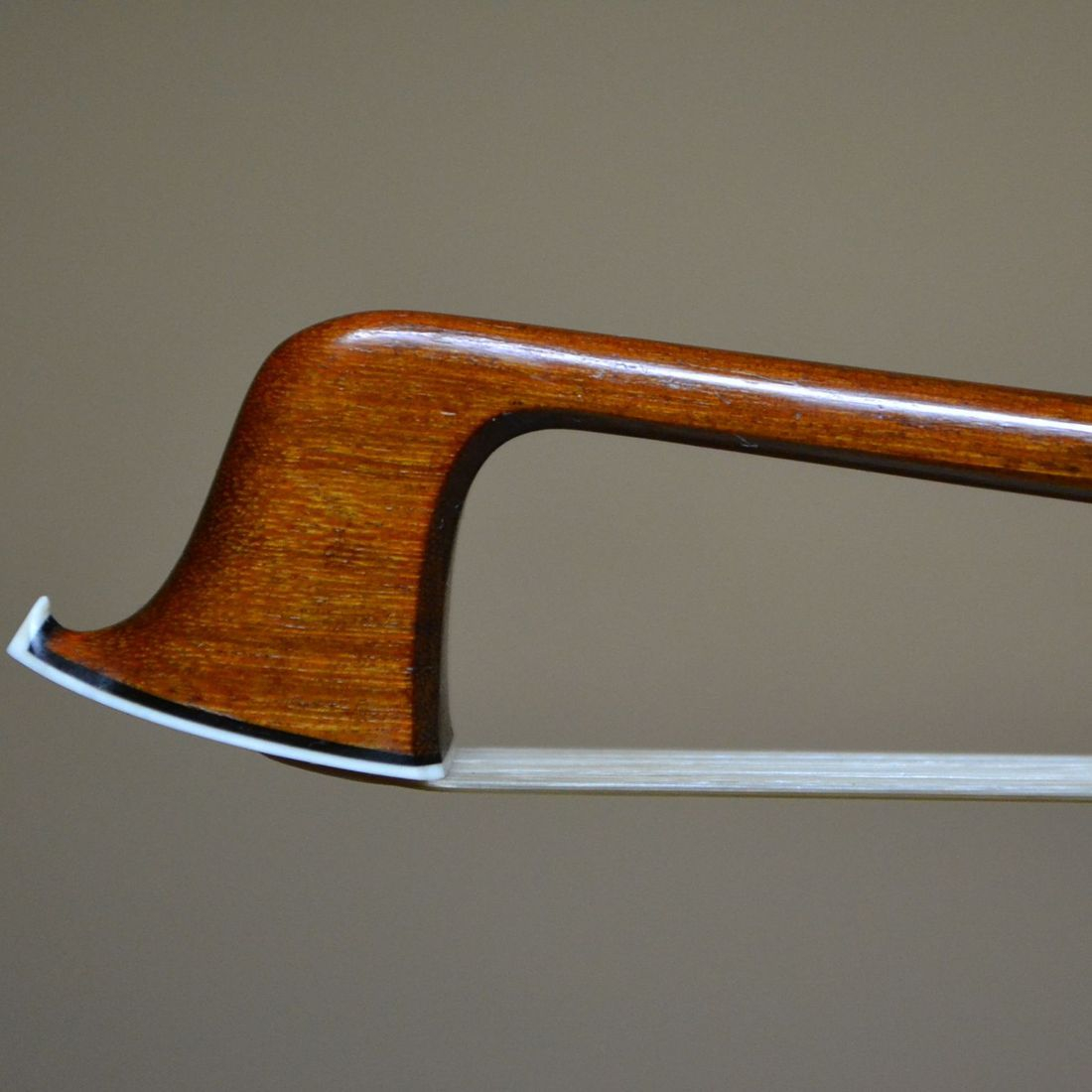 VIOLIN BOW BY