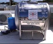 Tanque de agua sobre base
