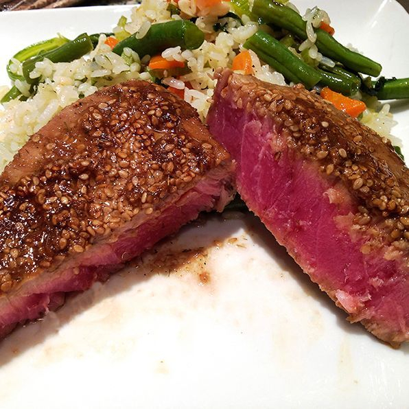 seared tuna and veggie rice