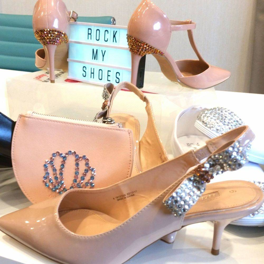 Bridesmaids matching shoes and bags