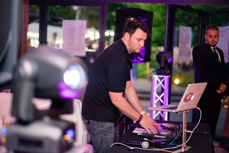 Wedding DJ Birmingham Stourbridge Love DJ Wedding Recpetion