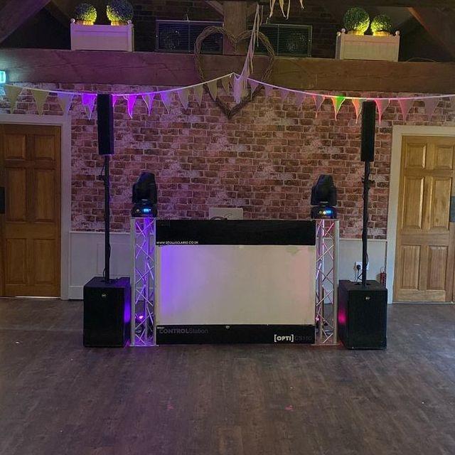 The Blakeland Wedding Staffordshire   DJ West Midlands led dancefloor