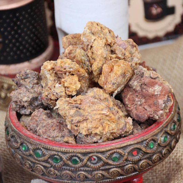 Myrrh, sacred myrrh, essential oil for wounds, essential oils for healing trauma, essential oils to heal emotional wounds, essential oils for wound care, sacred resin, resin essential oils, what is myrrh used for, is myrrh safe to use undiluted, essential oils for the root chakra