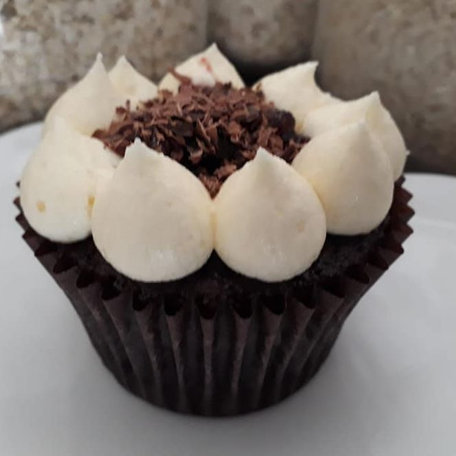 vegan black forest gateau cupcake