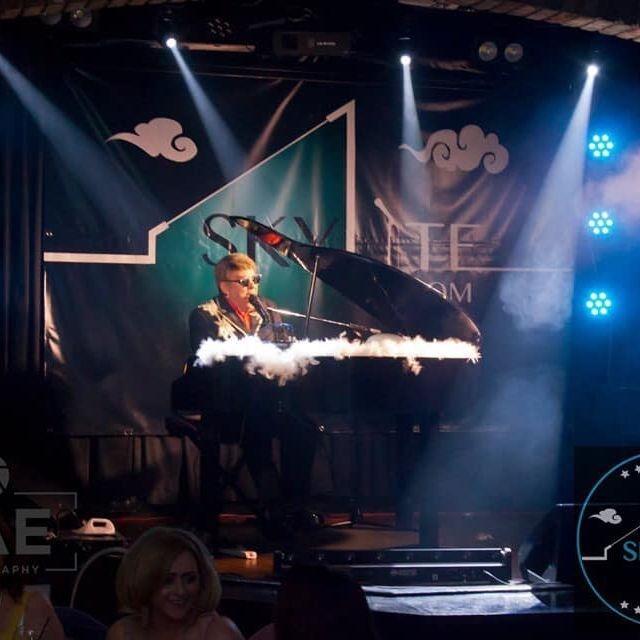 Elton John Tribute act  Andy Crosbie  Rocketman ! top