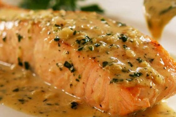 Salmon with herbed lemon butter sauce