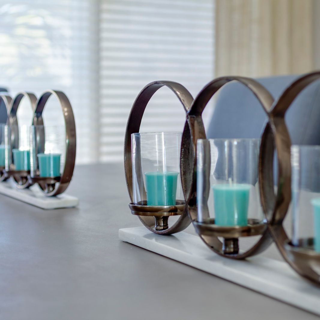 Staging Dining Room Interior Design Accessories