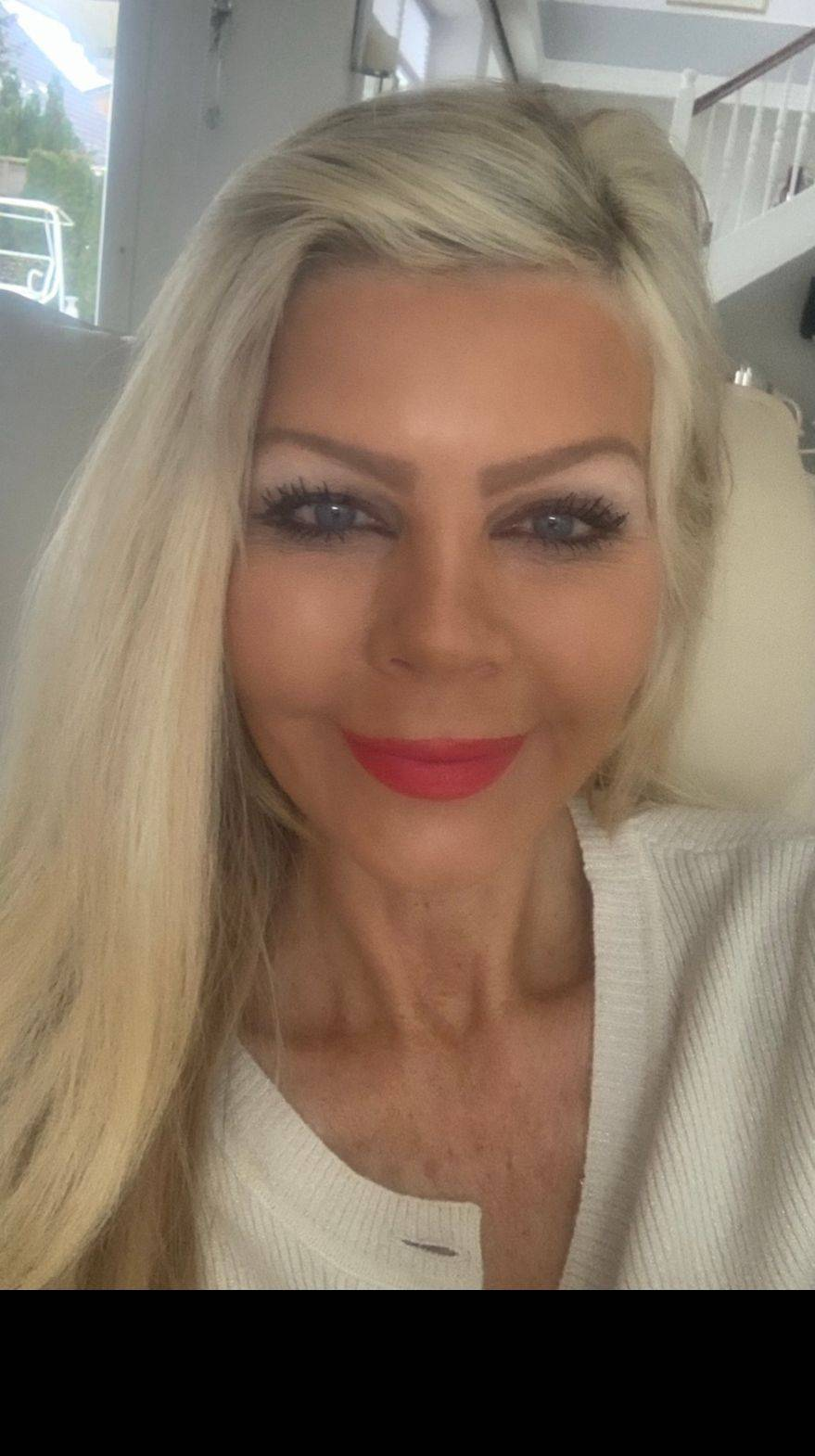 Frisør & stylist  25 års erfaring