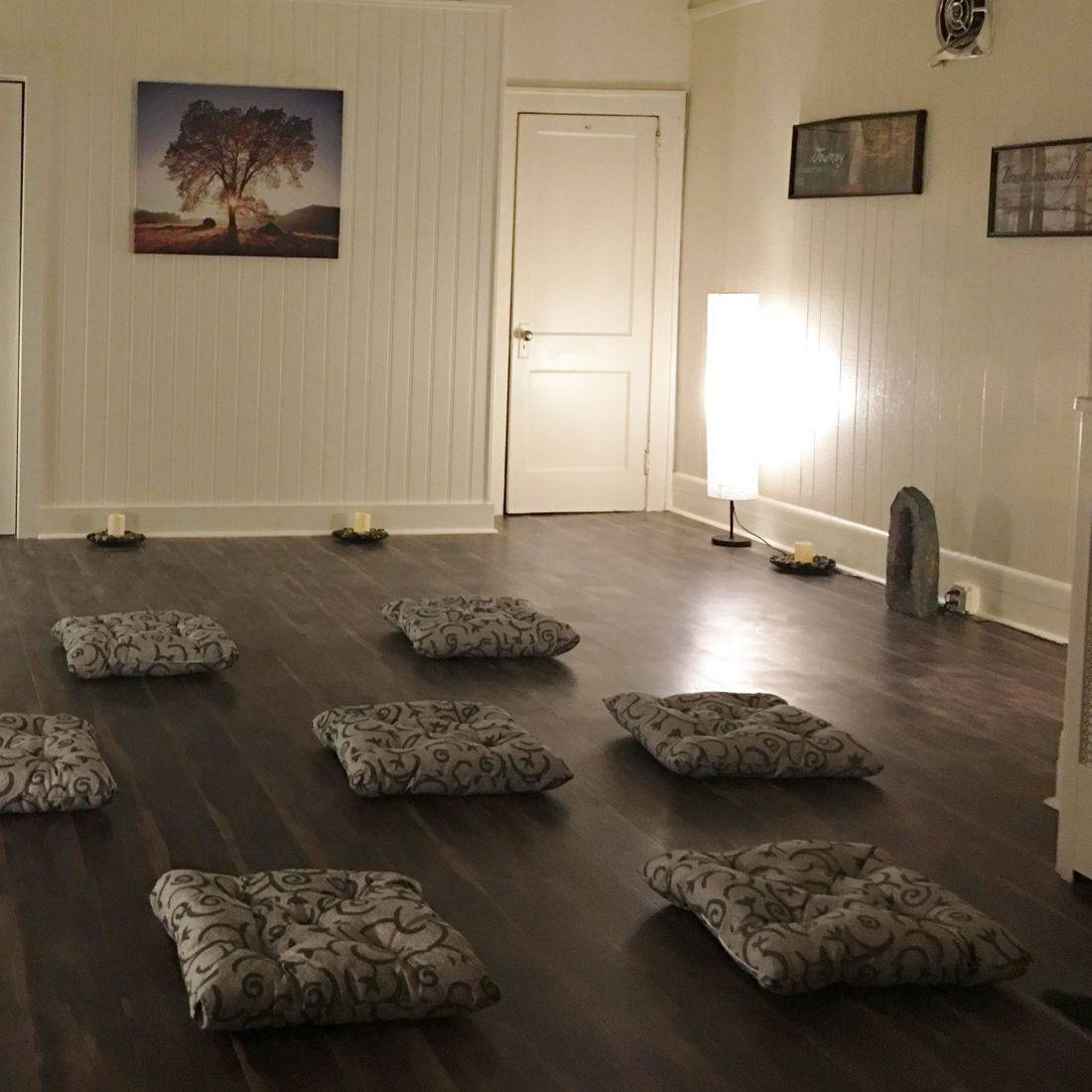 earth's healings, meditation, group meditation,  metaphysical shop, new age shop, smudges, incense, crystals, river edge nj