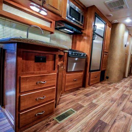 Ou Kelowna RV Rental comes with a fully equipped kitchen.