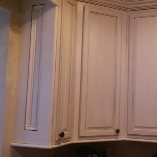 Cabinet painting, cabinet painter, cabinet refinishing, cabinet refinisher, Cincinnati, Ohio