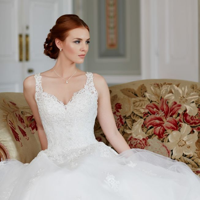 Lace bodice with straps