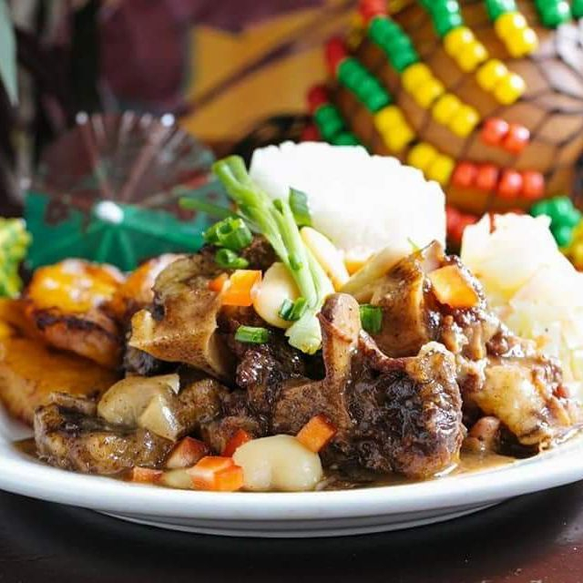 Oxtails with side dishes