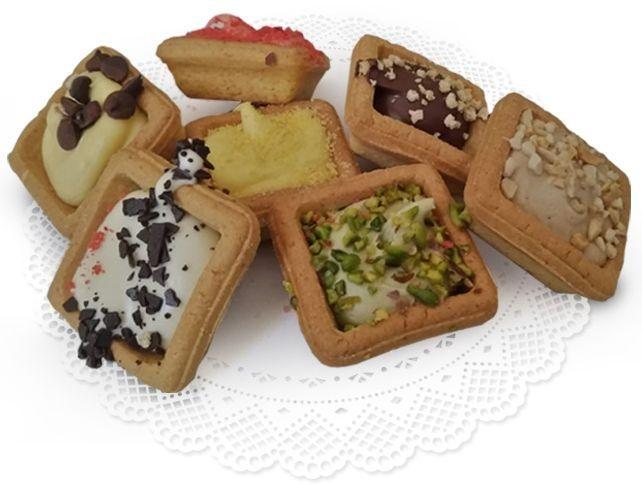 Tartelle Quadrate Mignon mit verschiedenen Füllungen & Dekorationen Gebäck