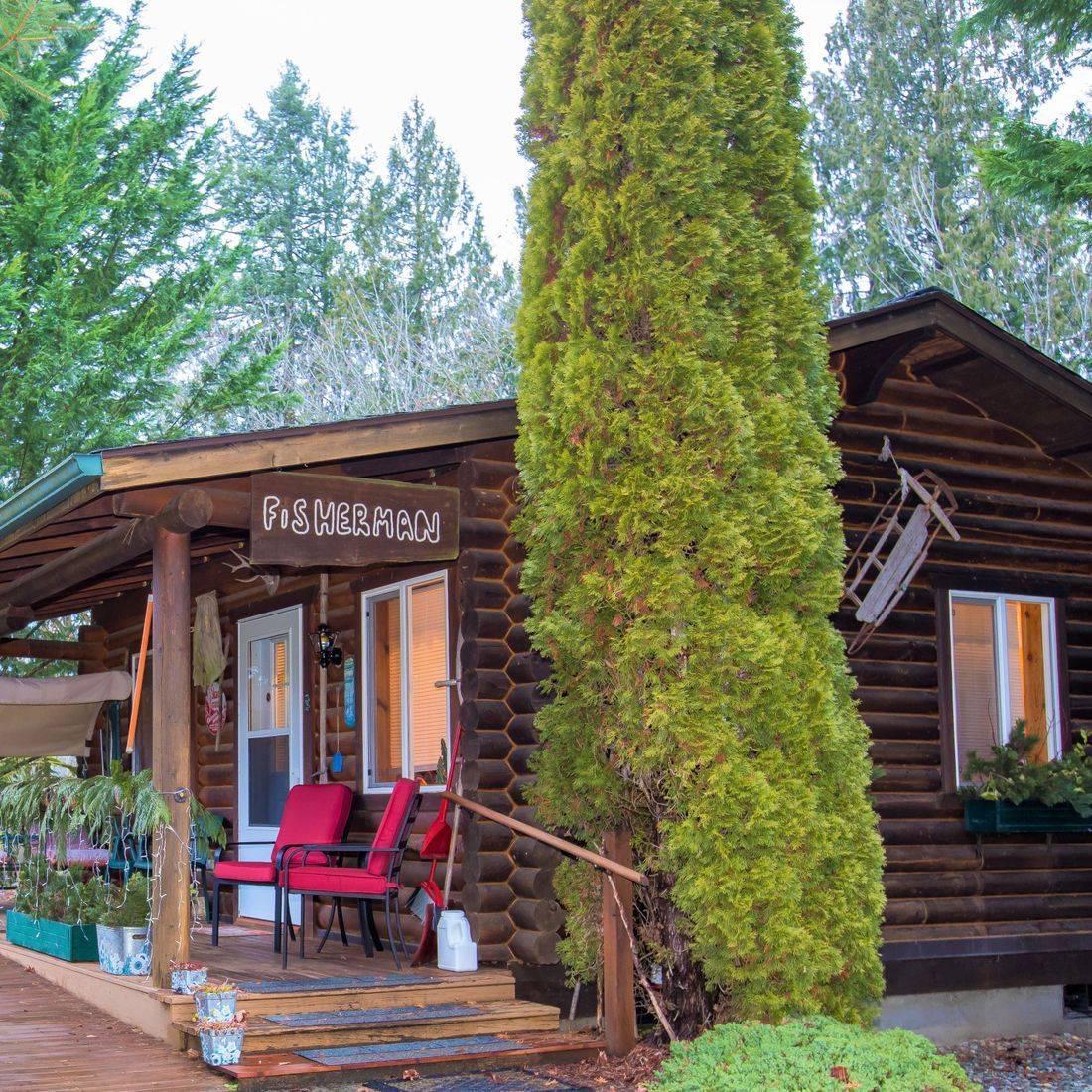 Lodging, hotels, North Cascades, Concrete, WA