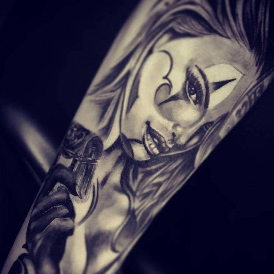 tattoo piercing schoenen melle belgie queenz art artiesten gast ink