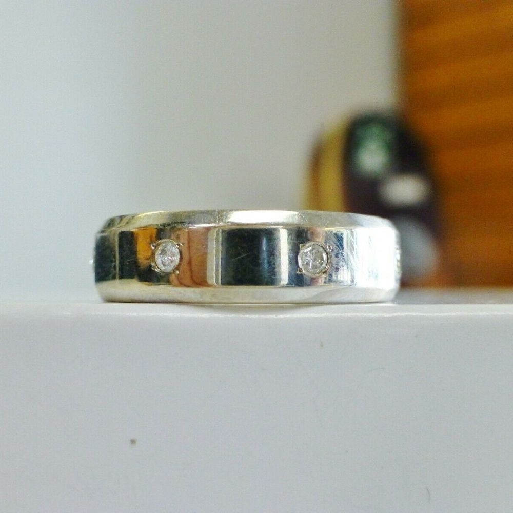 Mens White Gold Round Cut Diamond Eternity Band