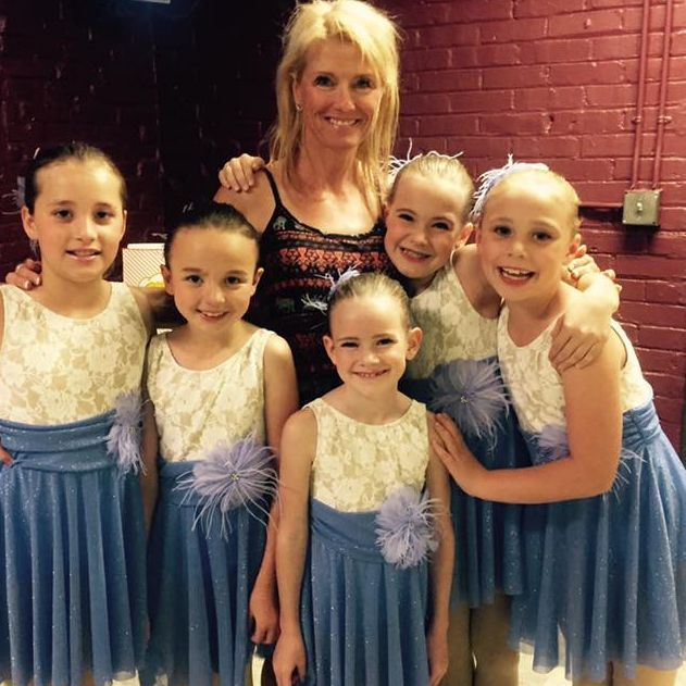 Studio director Janine Fraser with students before our Spokane performance