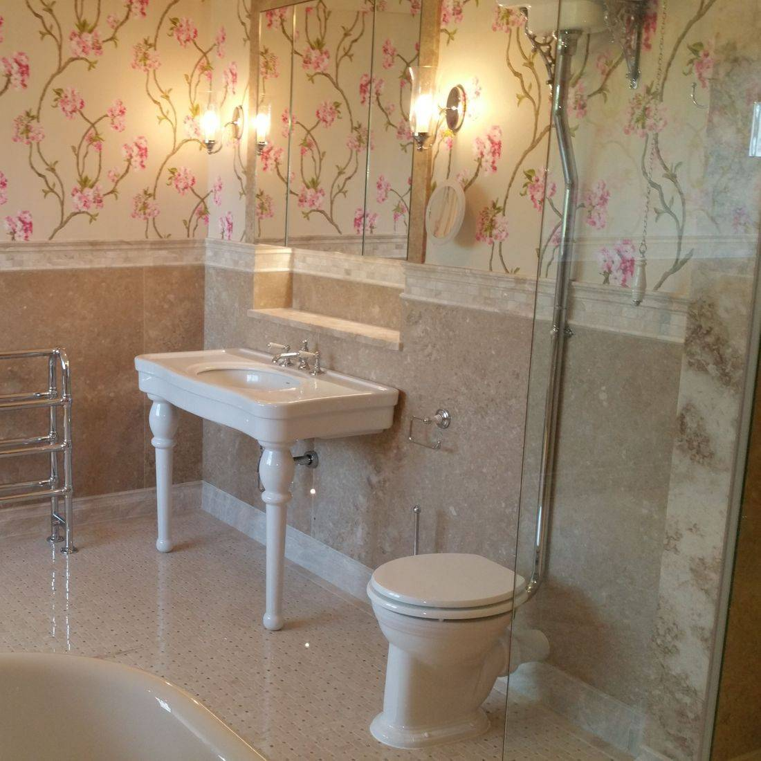 Tiler, bathroom fitter, decorator, plumber, joiner, bathroom fitter, walk in shower instalations,