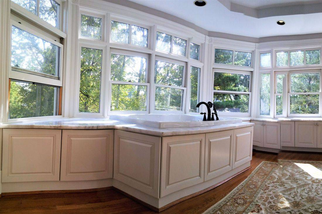 Cabinet painter, cabinet refacing, cabinet refinisher, door refinishers,  Cincinnati, Ohio