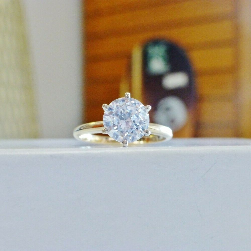 2CT Round Cut Cubic Zirconia Solitaire Prong Set in a Yellow Gold RIng