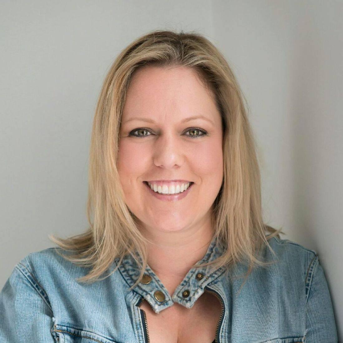 Gina Davis | Travel Agent Norfolk 23503