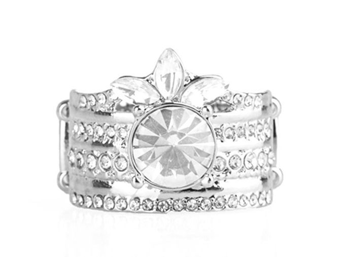 Paparazzi Top Dollar Bling ring